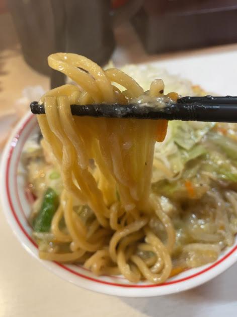 中本目黒店の海鮮汁無し塩スタミナが着丼2