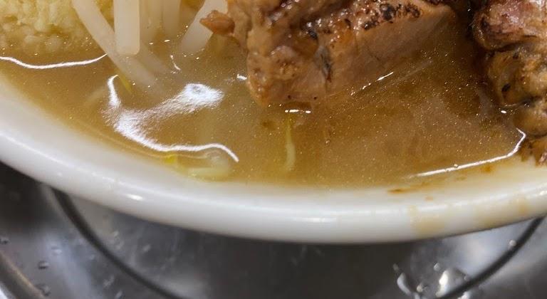 麺でる川崎でラーメン小の麺とスープ2