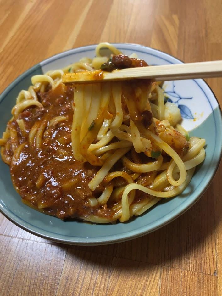 中本の汁なしカレー誠炸羅麺を実食1