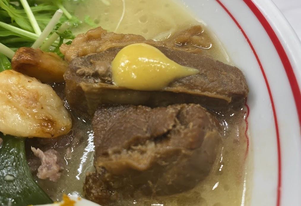 中本市川店のボーンカレーの具材4