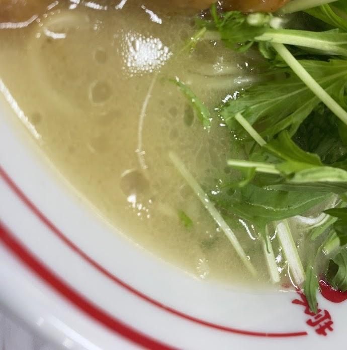中本市川店のボーンカレーの麺とスープ
